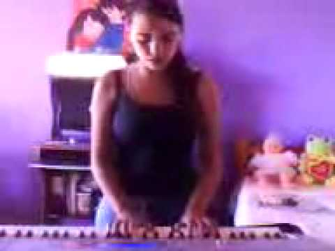 Agatha cantando Musica Amar você