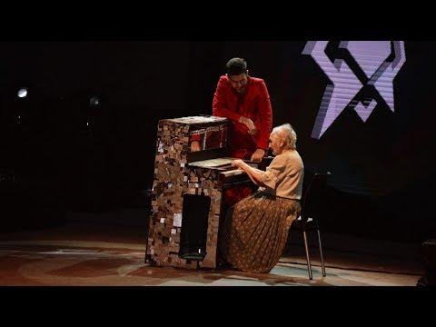 La abuela Perla cumplió con creces el sueño de tocar con público