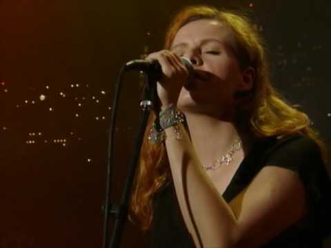 "Neko Case - ""Buckets Of Rain"" [Live from Austin, TX]"