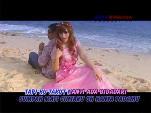 Bidadari Hatiku – Kang Herry Ft. Citra Icikiwir [ Official Video Clip ]