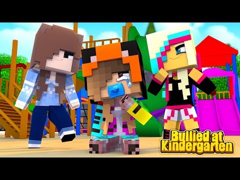 BULLIED ON MY FIRST DAY OF KINDERGARTEN! w/Baby Ariana (Minecraft Little Carly).