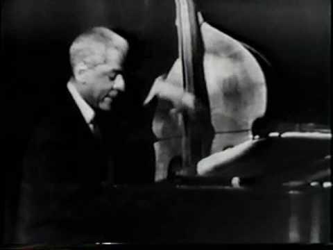Teddy Wilson Trio with Jo Jones on International Hour - American Jazz 1963