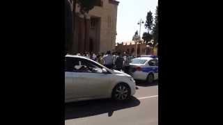 Gence seherinde vetendaslarnan sert reftar eden YOL polisleri