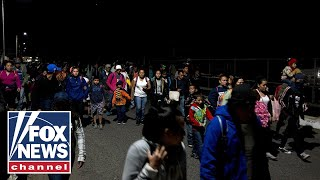 Migrant caravan enters Mexico through open border checkpoint