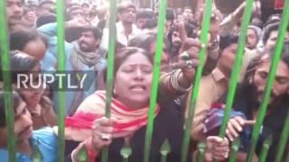 Pakistan  Devotees breach barricades to enter Sufi shrine hit by deadly blast