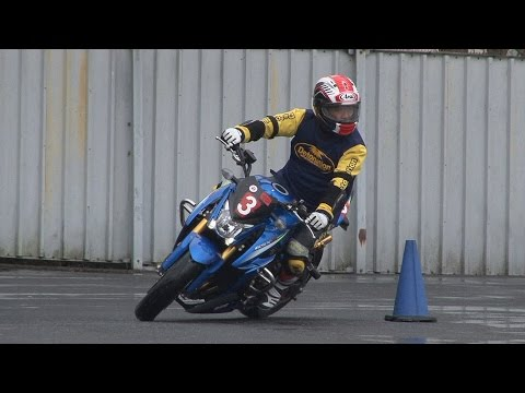 2017 3 26 Dunlop moto Gymkhana King of Gymkhana Sakuta 選手 GSX-S1000 h 2 × 0.4