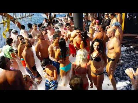 Antalya / Teknede köpük partisi