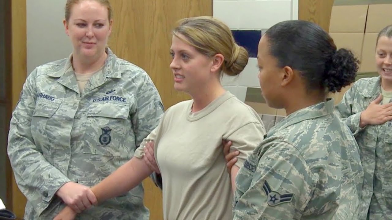 Usaf Taser Certification Course  Airmen  Airwomen Zapped - Clipfail-3732