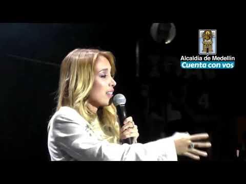 Luisa Fernanda W le canta a Legarda // MI REGALO //VÍDEO COMPLETO