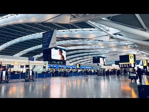 euronews (in English): 3D scanners to reduce queues at UK airports