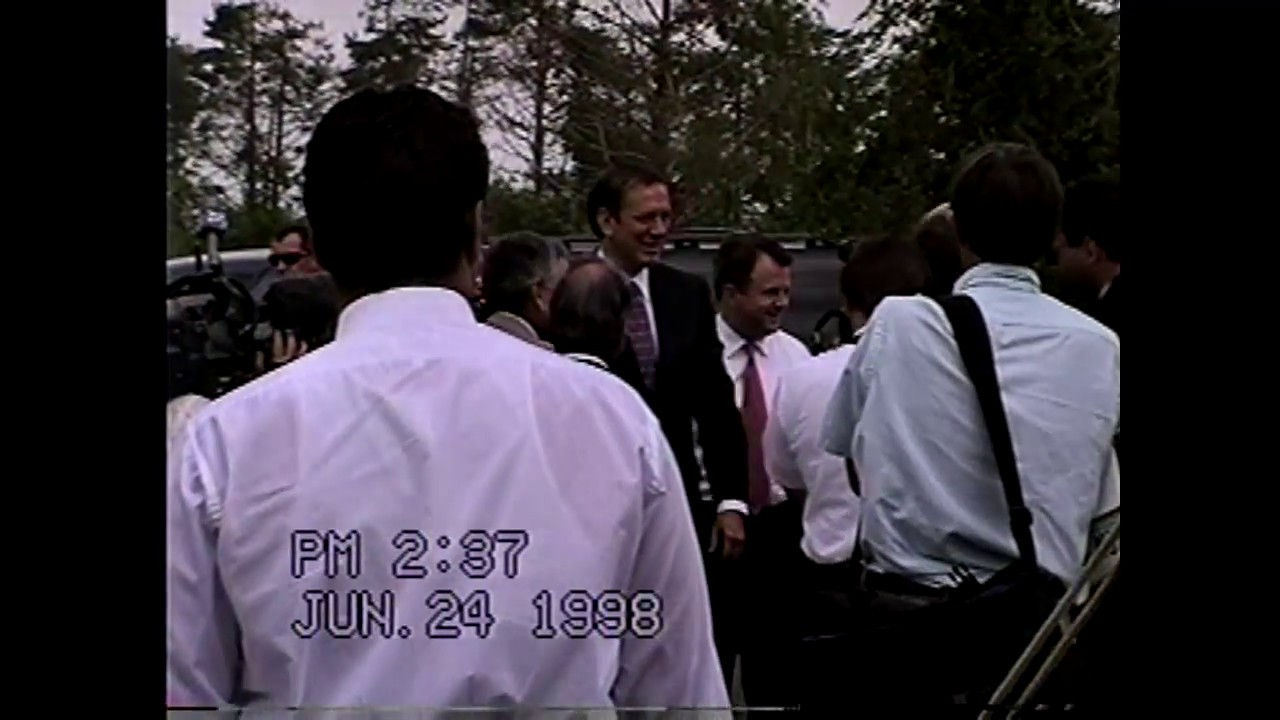 Gov. George Pataki at Champlain Plastics  6-24-98