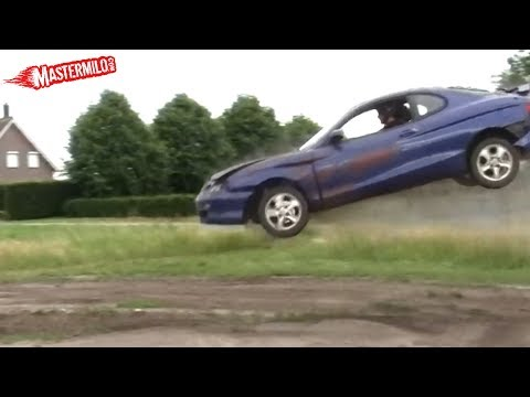 Hyundai Coupe car jump