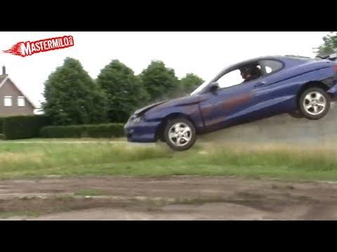 Hyundai Coupe car jump