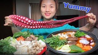 🇯🇵Lẩu Chân Bạch Tuộc Khổng Lồ Nấu Kim Chi Chua Cay Ngon Xuất Thần - Cuộc Sống Ở Nhật#183
