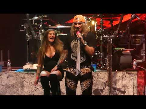 """""""Girl from Oklahoma (Fan Onstage)"""" Steel Panther@Sands Bethlehem Pa Center 10/3/17"""