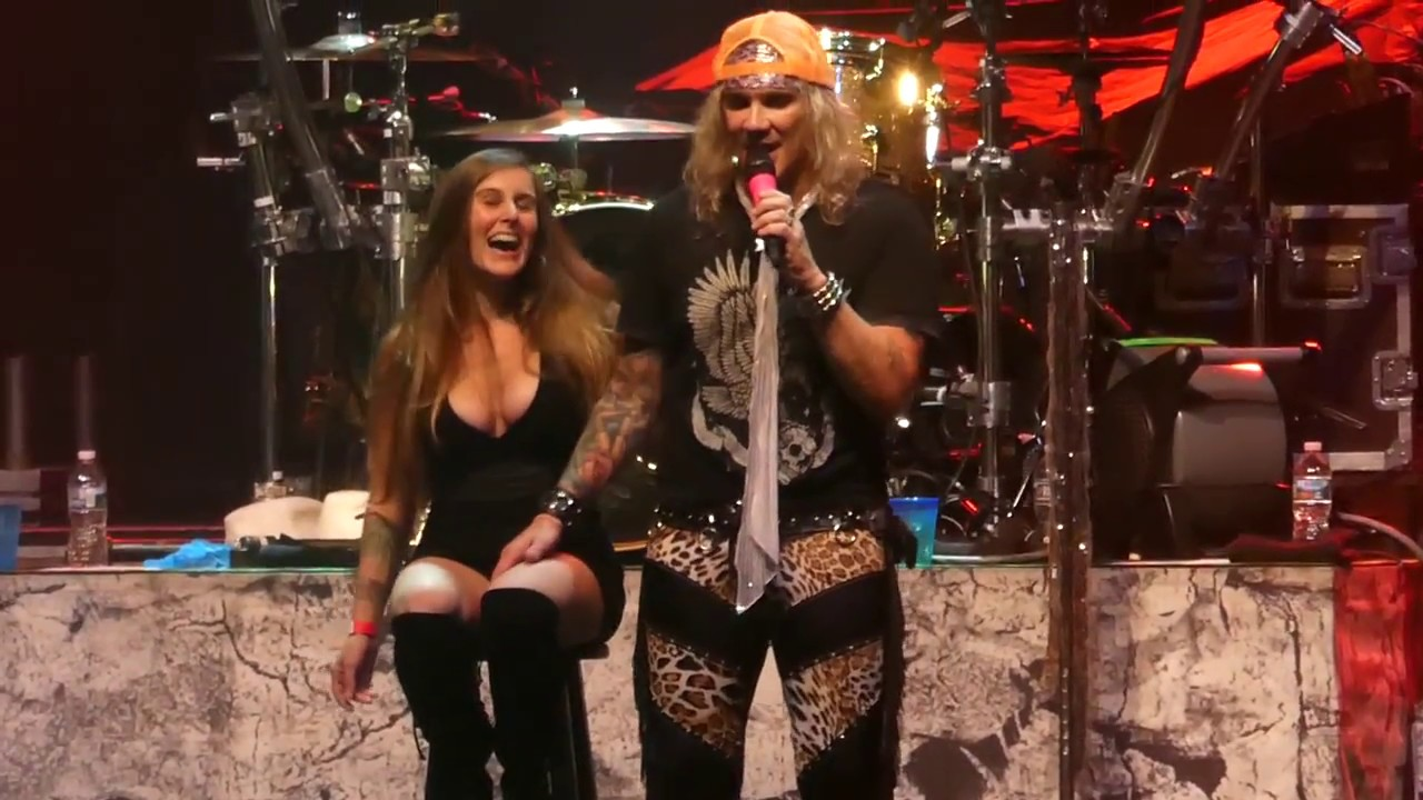 Steel Panther - Girl from Oklahoma - Aztec Theatre - YouTube