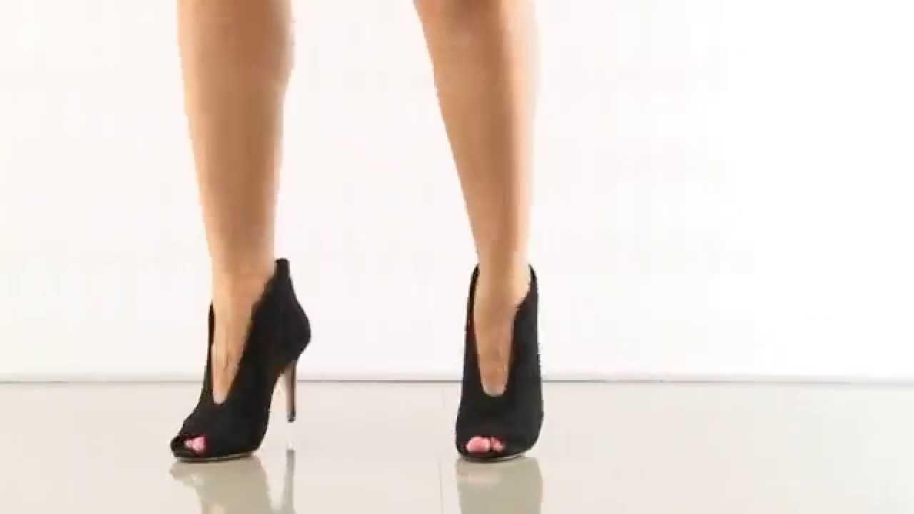8275368a3 Ronan in Black Suede Vince Camuto Signature - YouTube