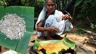 Chingri Macher Paturi using Banana Leaf by Grandma | Prawn P...