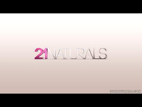 21Naturals - Alexa Tomas - A Perfect Fit