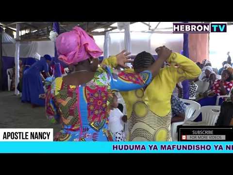 Apostle Nancy Katika Ibada Ya Maombezi