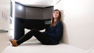 Staying in Tokyo's Girls-Only Capsule Hotel!