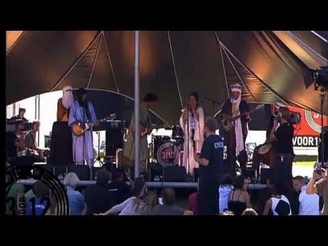 Tamikrest - Aratan N Tinariwen live op Metropolis Festival 2011