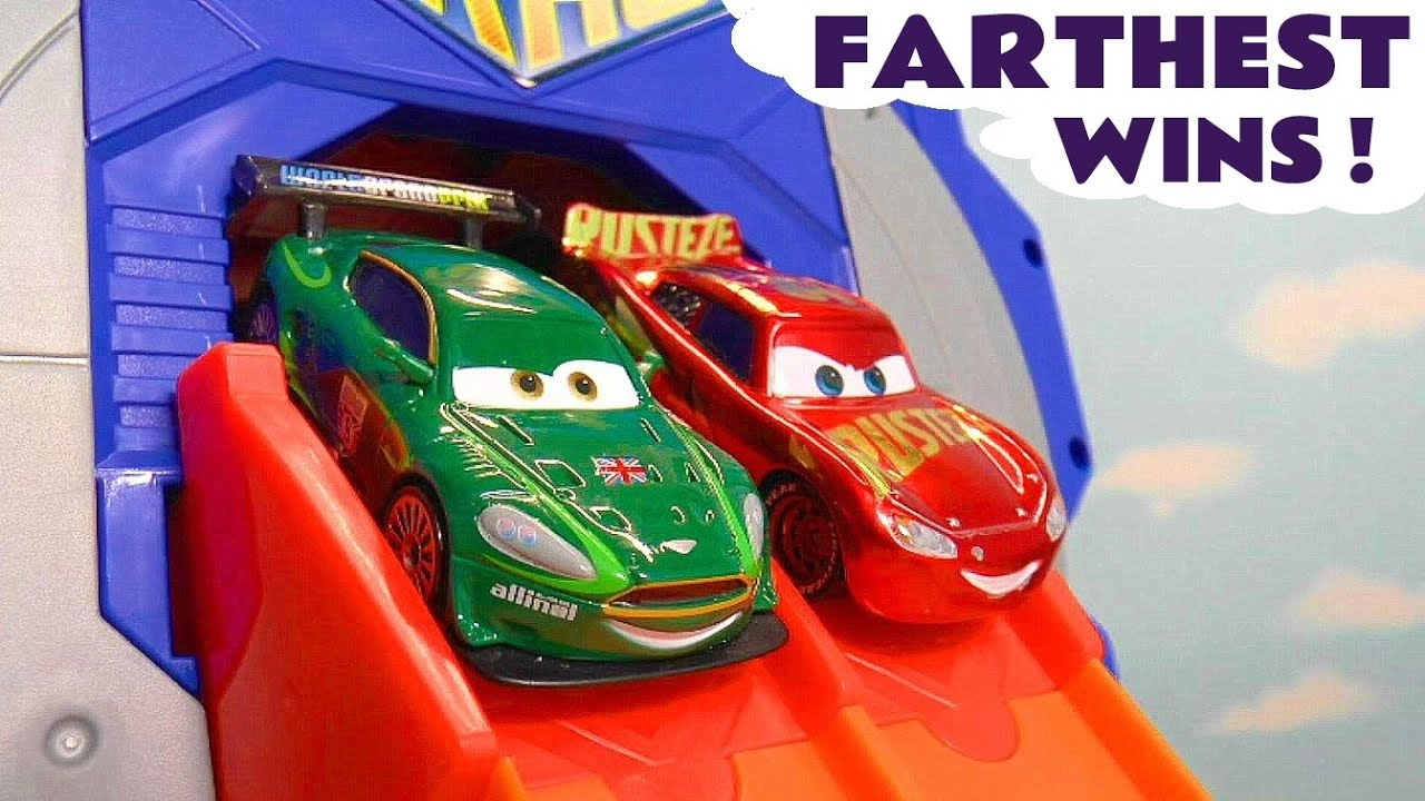 Disney Cars Giant Garage Racing with Cars McQueen versus Funny Funlings and Marvel Avengers