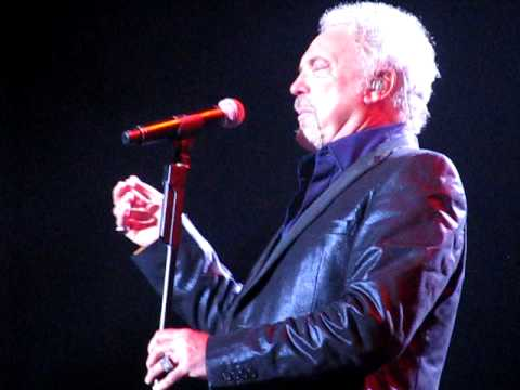 He'll have to go (put your sweet lips) - Tom Jones - LG Arena - October 2009