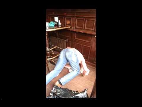 Irish man drinks a pint upside down - Not so luck of the Irish !