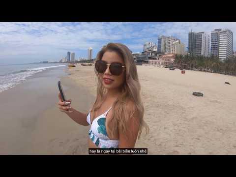 Quay lén gái xinh lột đồ trên bãi biển Đà Nẵng. Turn a pretty girl's sneaky clothes