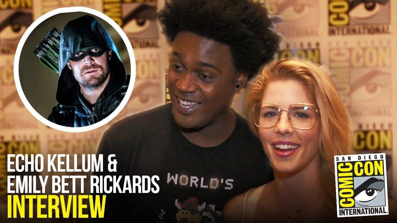 Arrow's Echo Kellum & Emily Bett Rickards Reveal Who KICKED Stephen Amell at Comic Con 2018
