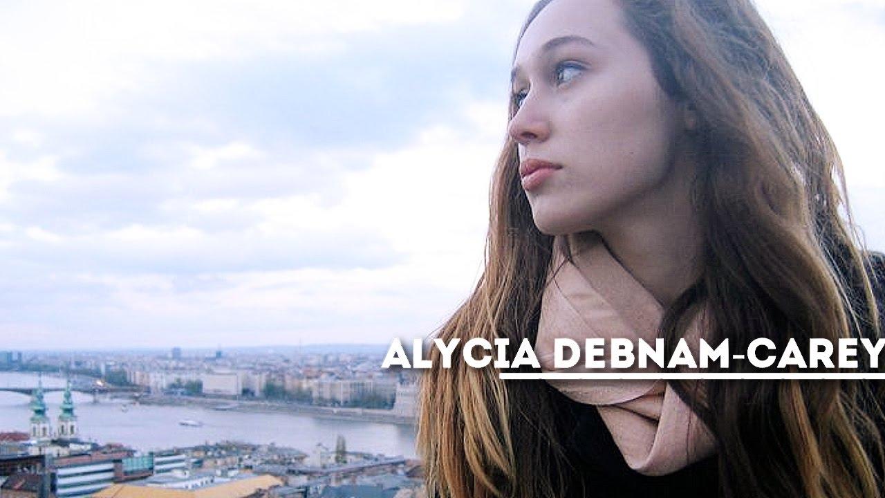 Alycia Debnam Carey Ass alycia debnam-carey | diamonds/chandelier
