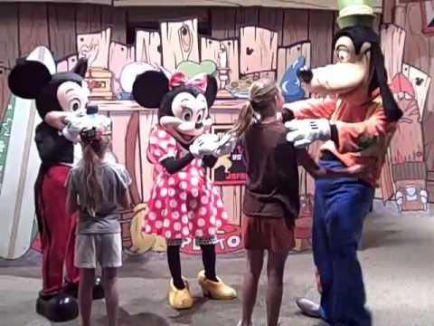 Disney visa meet and greet youtube disney visa meet and greet m4hsunfo