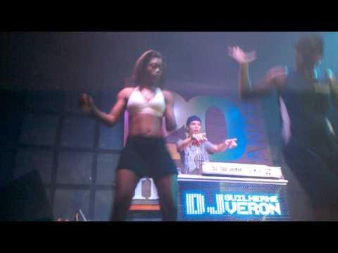 Dj Guilherme Veron + Dançarinas (os)  Funk (Pancadão Master na Friends)