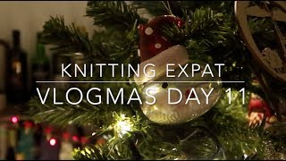 A Sample & Swatch - Vlogmas Day 12 - Knitting Expat