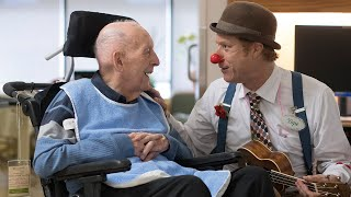 How therapeutic clowns are making a difference for Canadian veterans