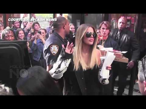 Kim & Khloe Kardashian Have Pizza With Fans | Cause Mayhem In Soho, NYC