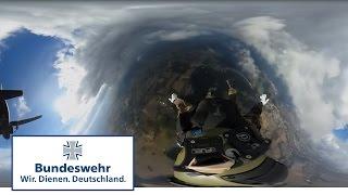 360 Grad – Fallschirmjäger der Bundeswehr im Freifallsprung mit kurzer Freiflugphase