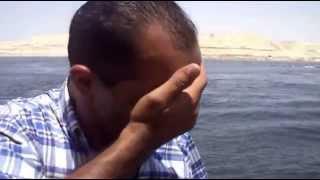 الصحفى هانى عبد الرحمن يبكى فرحا لحظة عبور أول سفينة فى قناة السويس الجديدة 25يوليو2015