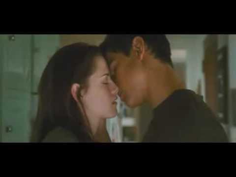 Jacob Amp Bella Kiss In New Moon Hq Youtube