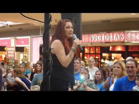 """Tiffany """"Right Here"""" (Live at Mid Rivers Mall in St. Peters Missouri 10-14-2017)"""