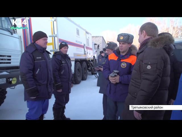 Виктор Томенко поручил оказать необходимую помощь районам, наиболее пострадавшим от снегопадов