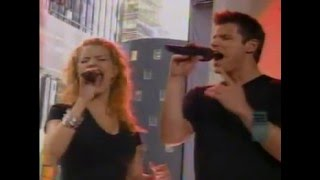 Jessica Simpson & Nick Lachey - Where You Are - LIVE on MTV's TRL -...