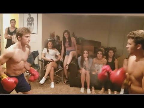 BACKYARD FlGHT: House Party Boxìng on Fìght Night