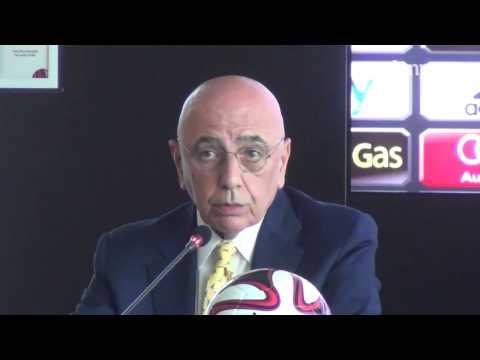 Adriano Galliani risponde alle accuse dei tifosi e parla del mercato rossonero