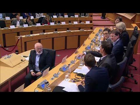 Eurodeputados prolongam audições de candidatos a comissários