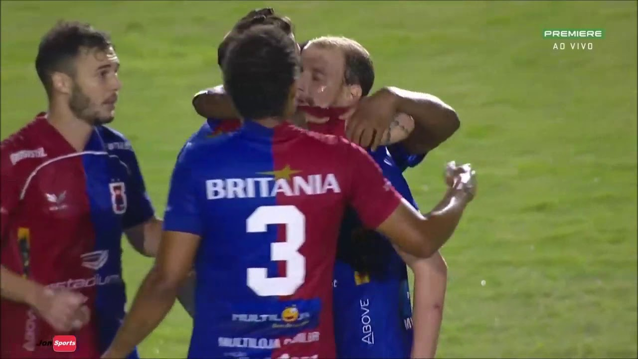 CSA perde para o Paraná por 2 a 0, mas permanece no G4