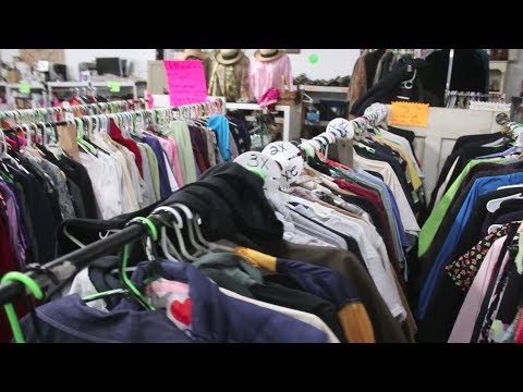 BUYING VINTAGE CLOTHING TO RESELL!!!