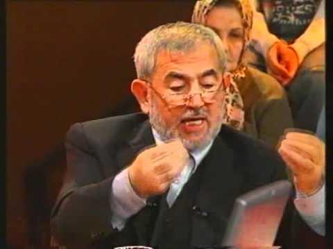 Kur'an Okurken Başı Örtmek Şart mıdır?