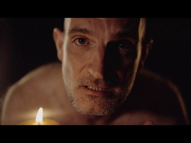 El actor LUIS ARRASA interpretando a Segismundo en LA VIDA ES SUEÑO. UNIC talents